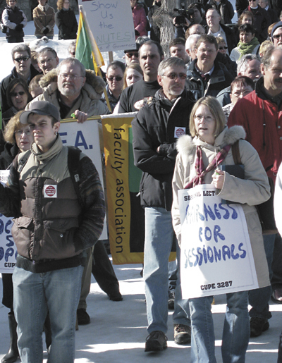Union members rally on the University of Saskatchewan campus March 9.